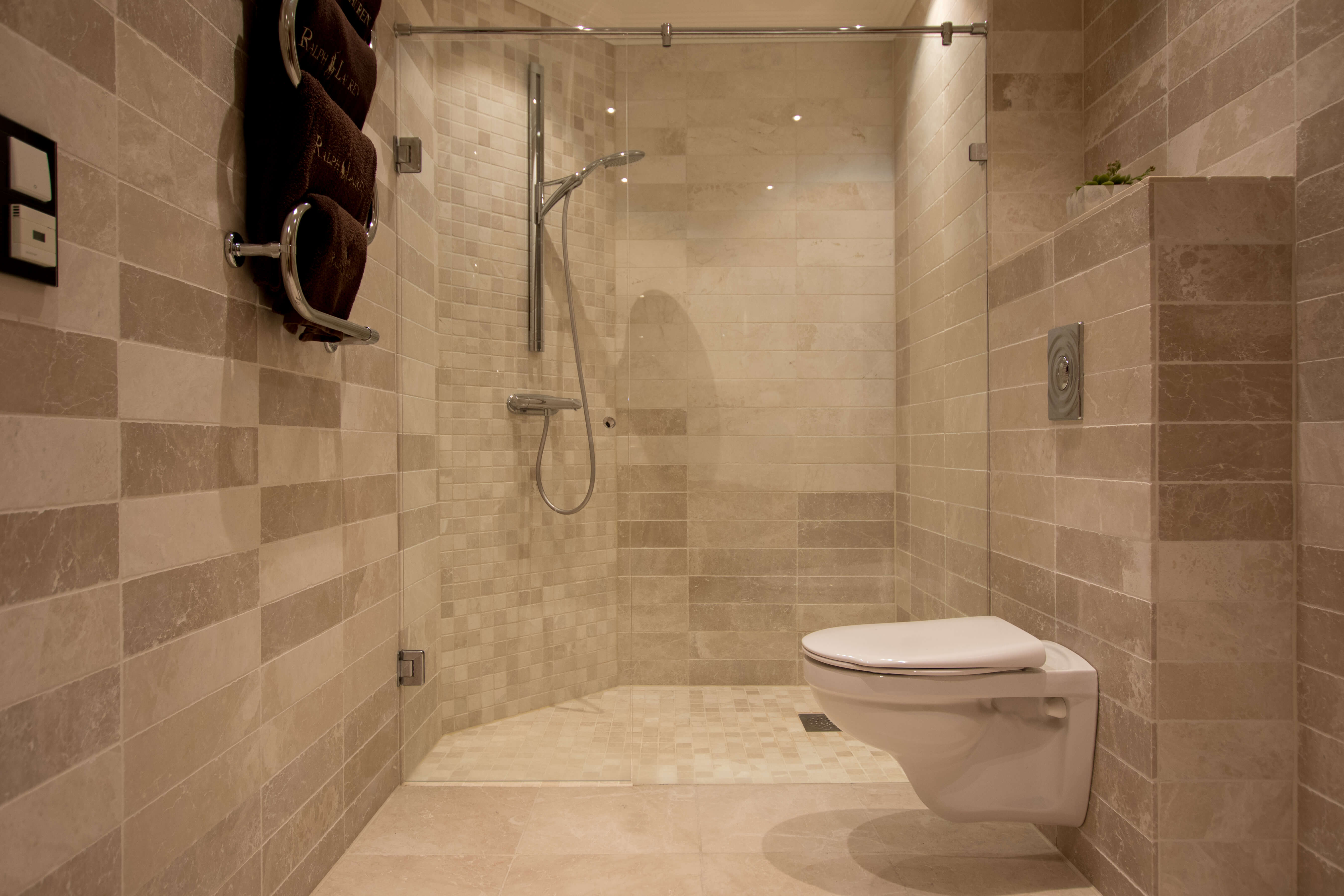 Quality bathroom with exclusive details.